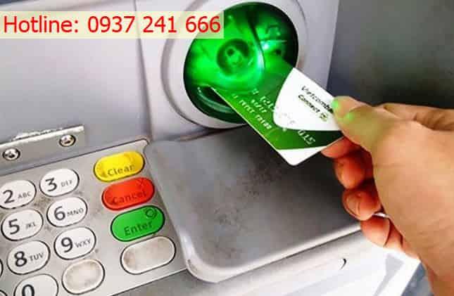 Rút tiền mặt thẻ tín dụng VietcomBank tại nhà giá rẻ